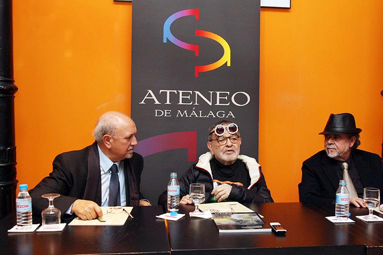 Fernando Arrabal en el Ateneo de Málaga - Fotografía: Gregorio Torres